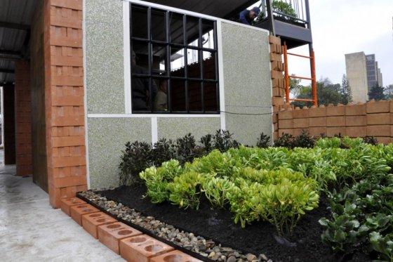 Modelo de vivienda hecho con ecomateriales y presentado en la Feria Smart City Expo Bogotá.