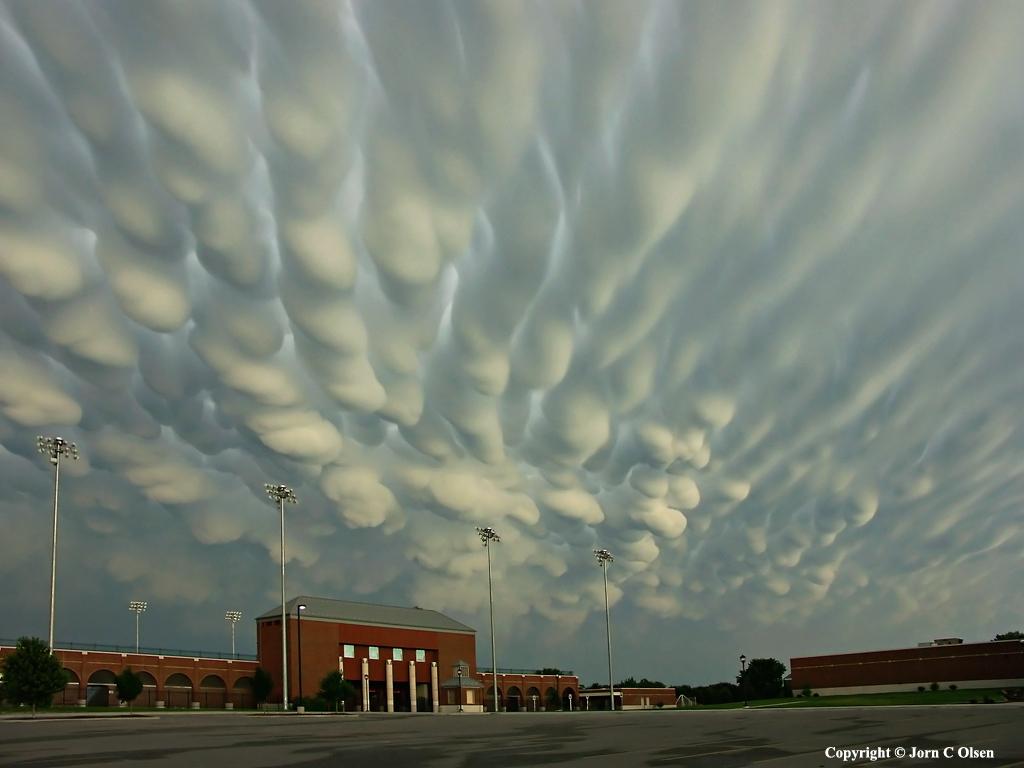 nube mastodóntica, mammatus