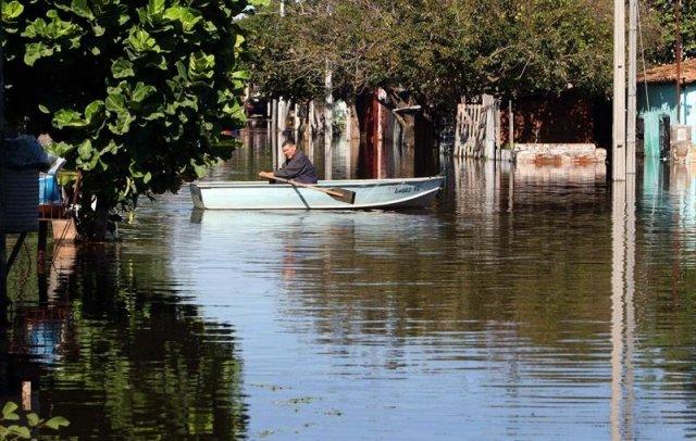 Paraguay-inundaciones-evacuados