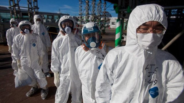 Después del terremoto de Japón en 2011, el desastre nuclear en Fukushima fue una de las consecuencias: explotaron tres reactores y provocaron escapes de radiación. Actualmente a pesar de que está controlado, los niveles de radiación siguen siendo muy altos.