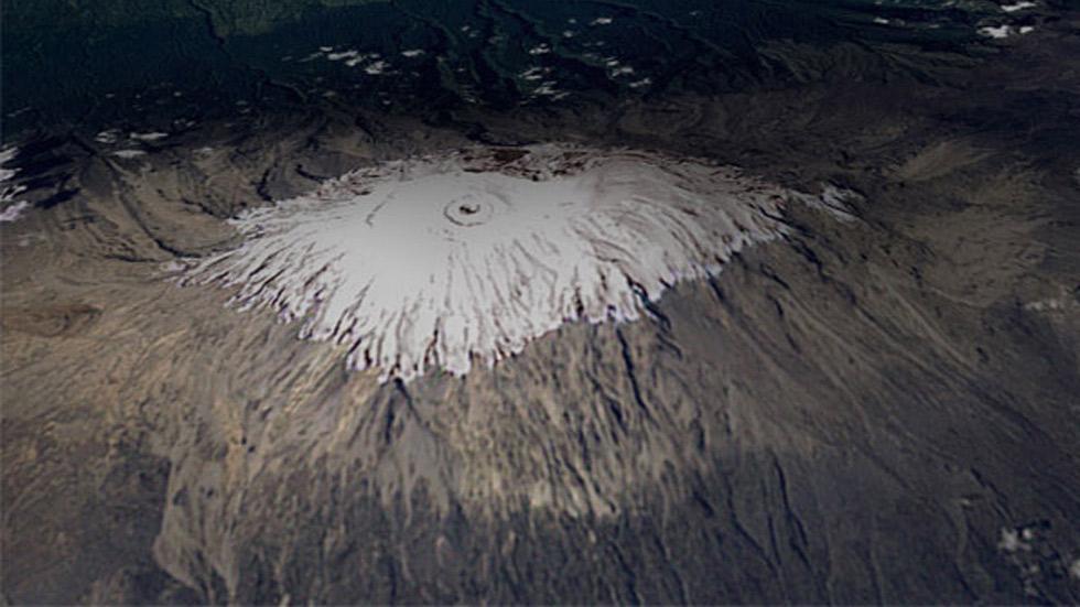 Capa de hielo del Monte Kilimanjaro, el 17 de febrero de 1993. (NASA)