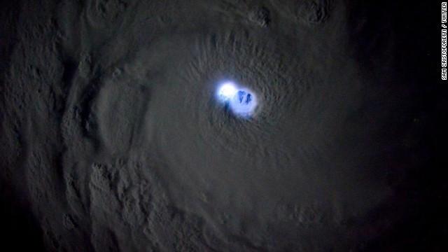 ojo_ciclon_espacio