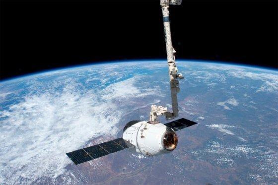 astronautas_caminata