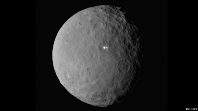 sonda_espacial_planeta_enano
